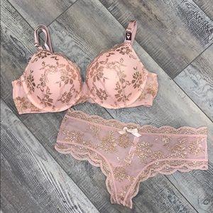 Victorias Secret Push Up Bra Cheeky Thong Set